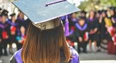 Estudante impedida de receber beca de formatura será indenizada em r$ 5 mil